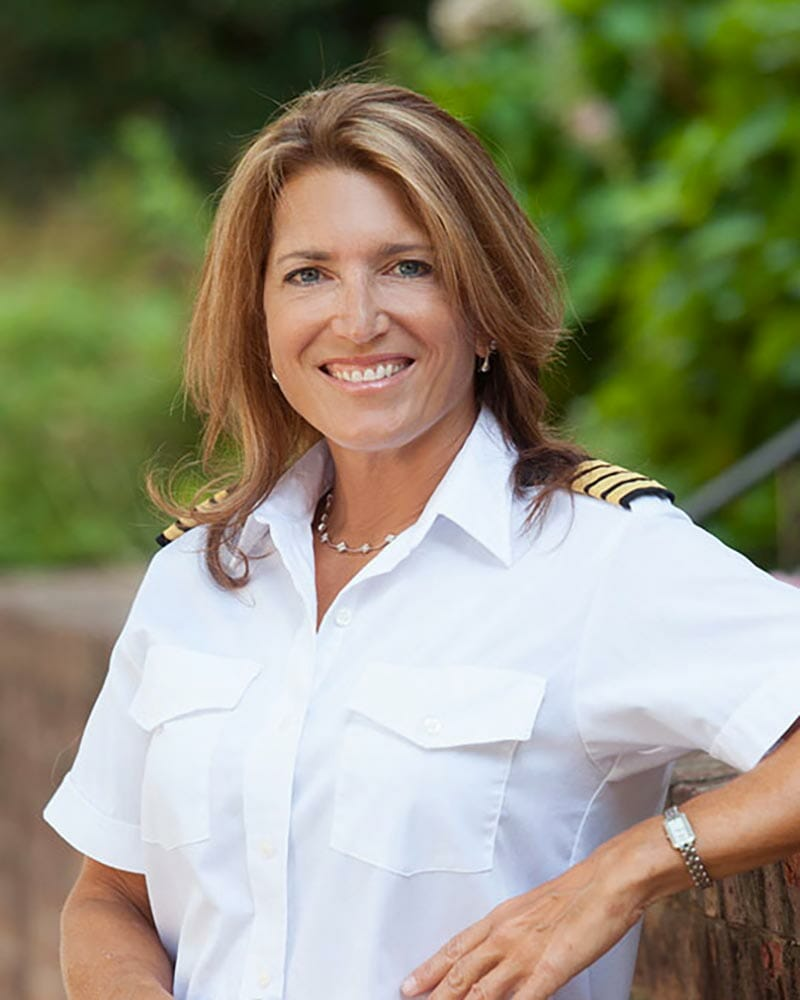 Outdoor Business Portrait | Captain Lisa